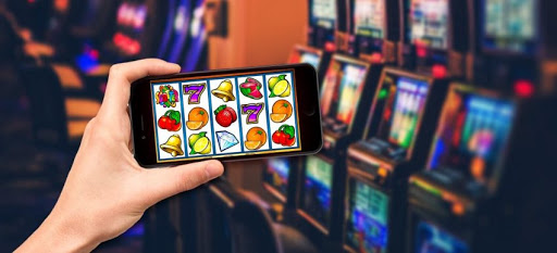 Online slots – comfortable to play in home by using online service