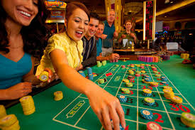 How online slot real money game helps users?